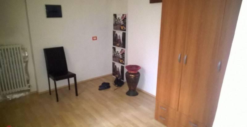 Bilocale buono stato, primo piano, Piacenza8